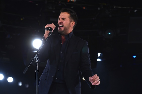 Luke Bryan performs at the BMI Country Awards. Photo: BMI.com