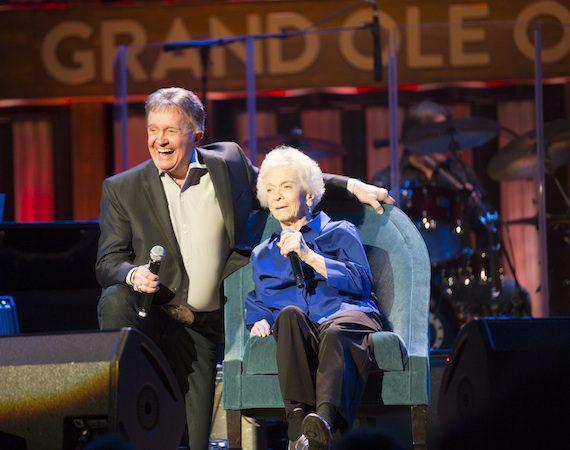 Bill Anderson and Jean Shepard. Photo: Chris Hollo.