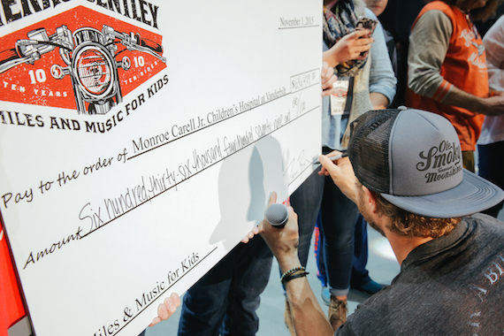 Dierks Bentley Miles and Music 2015 photo3