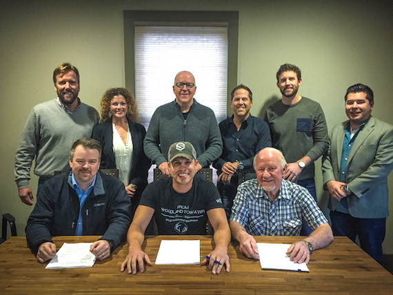 Pictured (Top Row, L-R): Safford Motley, PLC's Scott Safford; Magic Mustang Music's VP of Publishing Juli Newton-Griffith; Warner/Chappell's Phil May; BBR Music Group EVP Jon Loba; Warner/Chappell's Ryan Beuschel; BBR Music Group Legal & Financial Affairs Colton McGee. Pictured (Bottom Row, L-R): Warner/Chappell's Ben Vaughn; Dustin Lynch; BBR Music Group President/CEO Benny Brown