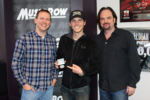 Photo (L-R): Troy Stephenson, Chart Director; Granger Smith; Sherod Robertson, Owner/Publisher, MusicRow. Photo: Molly Hannula