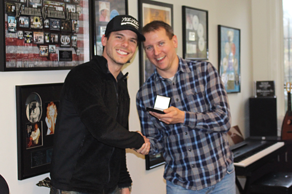 Pictured (L-R): Granger Smith; Troy Stephenson, MusicRow Chart Director. Photo: Molly Hannula
