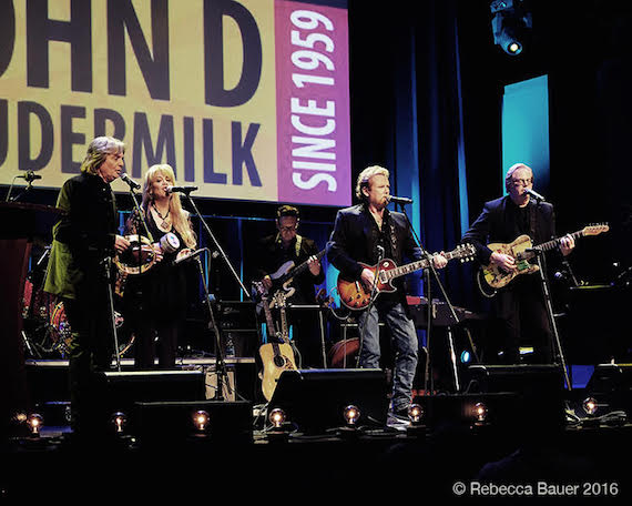 Lee Roy Parnell performs with the house band.