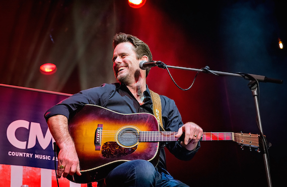 Charles Esten performs during the CMA Songwriters Series Thursday at indigo at The O2 in London. Photo: Anthony D'Angio/CMA