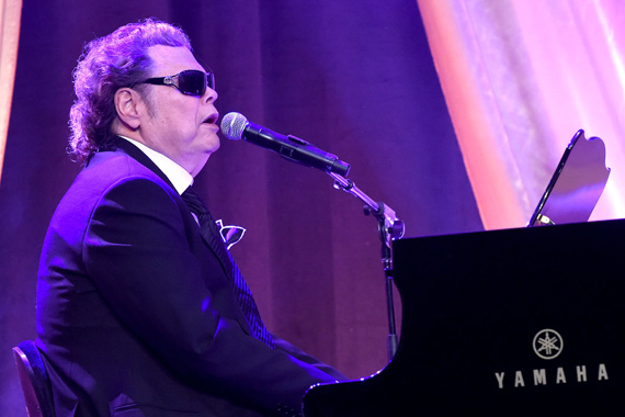 Ronnie Milsap performs onstage at the T.J. Martell Foundation 8th Annual Nashville Honors Gala at the Omni Nashville Hotel on February 29, 2016 in Nashville, Tennessee. (Photo: Rick Diamond/Getty Images for T.J. Martell)