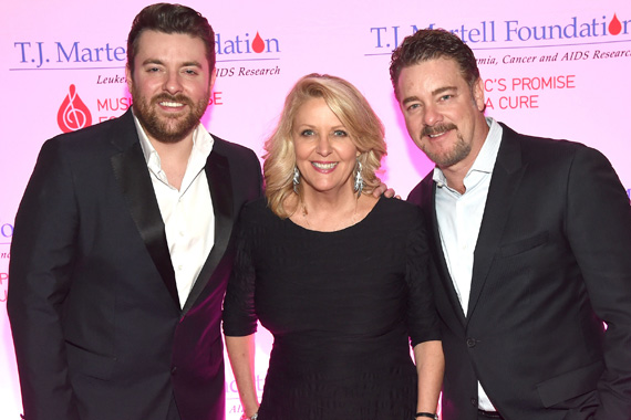 Chris Young, T.J. Martell Foundation's Tinti Moffat, and WME's Rob Beckham attend the T.J. Martell Foundation 8th Annual Nashville Honors Gala at the Omni Nashville Hotel on February 29, 2016 in Nashville, Tennessee. (Photo: Rick Diamond/Getty Images for T.J. Martell)