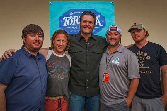 Pictured (L-R): A.J. Niland (Chief Experience Officer, HUKA Entertainment), Evan Harrison (CEO, HUKA Entertainment), Blake Shelton, Chris Stacey (founder, Rock The Ocean/GM, Dot Records), Bennett Drago (Co-Founder, HUKA Entertainment)