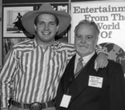 Garth Brooks with Joe Harris. Photo: Alan Mayor