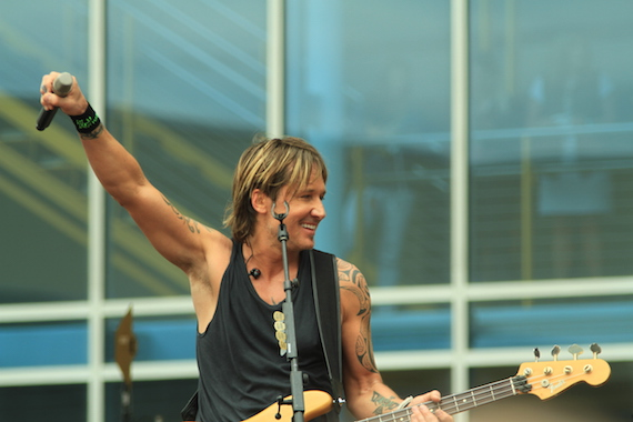Keith Urban Free Bridgestone Concert 5.9.16 (C) Moments By Moser Photography