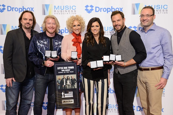 Pictured (L-R): Sherod Robertson, Owner/Publisher, Music Row ; Little Big Town; Craig Shelburne, General Manager, MusicRow. Photo: Courtesy of Music Biz