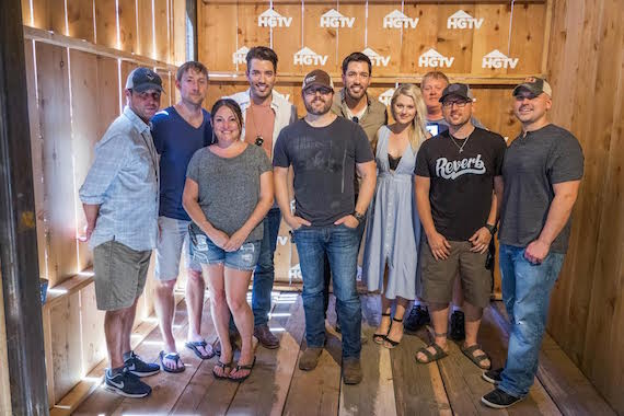 ​(Pictured L-R): ASCAP's Michael Martin, Ashley Gorley, ASCAP's Alison Webber, Property Brothers' Jonathan Scott, Deric Ruttan, Property Brothers' Drew Scott, ASCAP's Beth Brinker and Mike Sistad, Chris DeStefano and Jon Nite at the ASCAP Hit Songwriters Round at the HGTV Lodge
