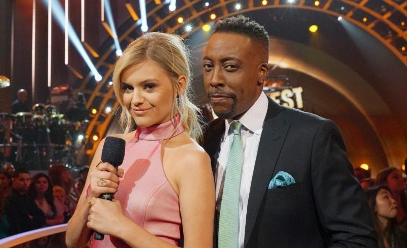 'Greatest Hits' co-hosts Kelsea Ballerini and Aresenio Hall.