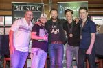 """Randy Houser, Songwriters Toast """"We Went"""" At No. 1 Party Inside Tootsies"""