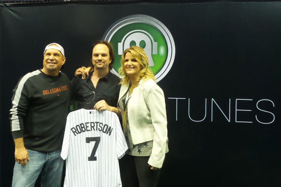 Pictured (L-R): Garth Brooks, MusicRow Publisher/Owner Sherod Robertson, and Trisha Yearwood backstage before Garth Brooks' Yankee Stadium show in New York City on Saturday, July 9, 2016.