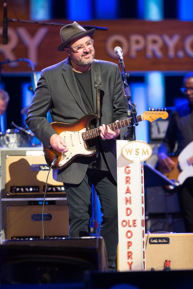Vince Gill celebrates 25th Anniversary as member of Grand Ole Opry Saturday night.