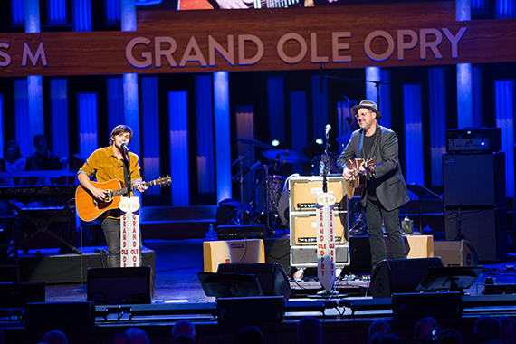 "Charlie Worsham joins his musical hero onstage to perform ""The Key To Life."""