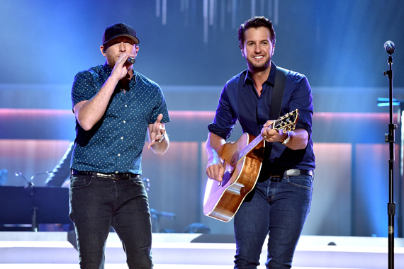 Singer-songwriters Cole Swindell and Luke Bryan perform onstage during the 10th Annual ACM Honors at the Ryman Auditorium on August 30, 2016 in Nashville, Tennessee. (Photo by John Shearer/Getty Images for ACM)