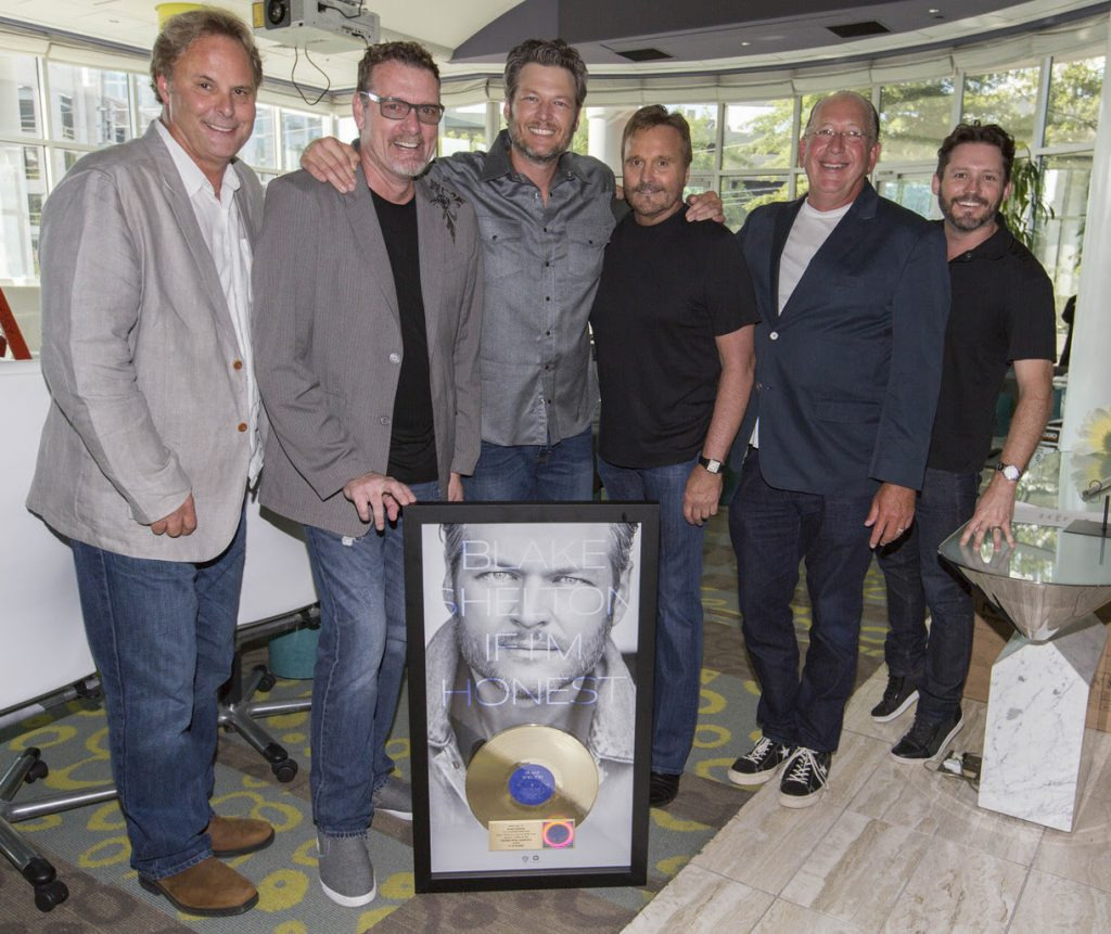 Pictured (L-R): Producer Scott Hendricks, Warner Music Nashville CMO Peter Strickland, Blake Shelton, Starstruck Management Group's Narvel Blackstock, Warner Music Nashville Chairman/CEO John Esposito, Starstruck Management Group's Brandon Blackstock. Photo: Ed Rode for ASCAP