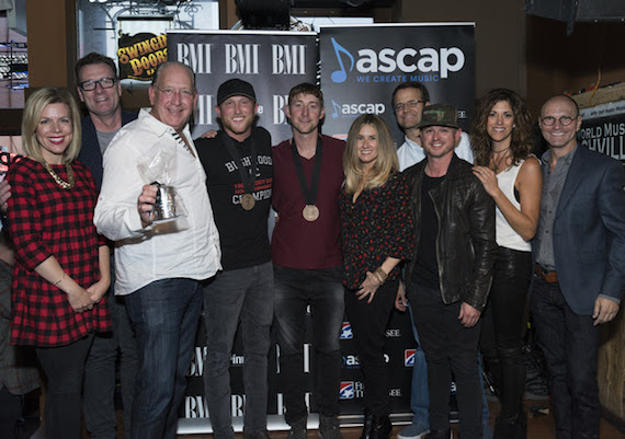 Pictured (L-R): Warner Music Group's (WMG) Katie Bright, WMG's Peter Strickland, WMG's John Esposito, Cole Swindell, Ashley Gorley, WMG's Cris Lacy, WMG's Chad Schultz, WMG's Justin Luffman, KP Entertainment's Kerri Edwards, WMG's Wes Vause. Photo: Steve Lowry