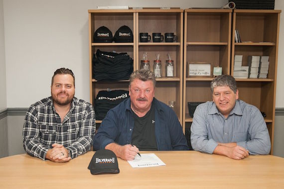Pictured (L-R): Aaron Chesling, A&R, Silverado Records; Joe Diffie; Jeff Lysyczyn, co-manager. Photo: Hunter Berry