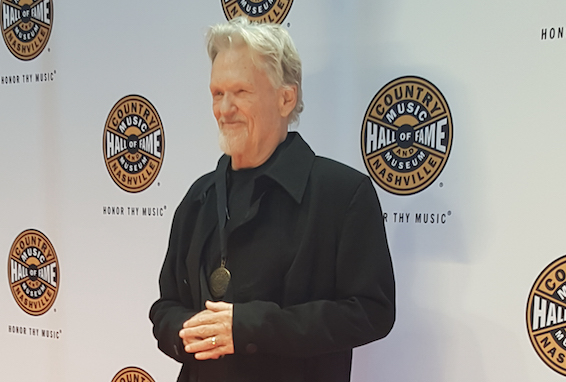 Kris Kristofferson on the CMHoF Medallion Ceremony Red Carpet. Photo: Bev Moser/Moments By Moser