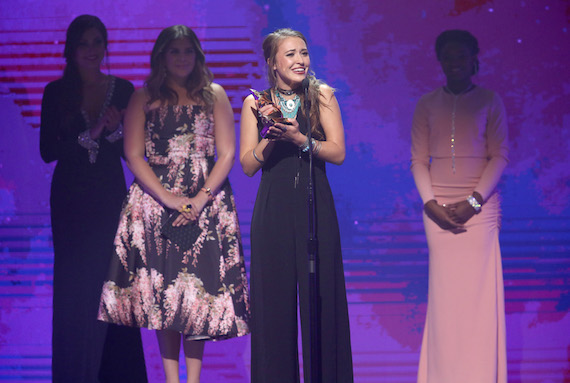 Lauren Daigle receives Artist of the Year award onstage during the 2016 Dove Awards at Allen Arena, Lipscomb University on October 11, 2016 in Nashville, Tennessee. (Photo by Terry Wyatt/Getty Images for Dove Awards)