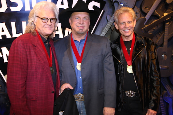 Pictured (L-R): Ricky Skaggs, Garth Brooks, XX. Photo: Moments By Moser Photography