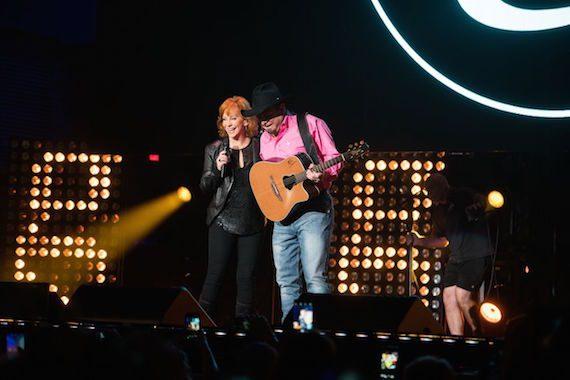 Garth Brooks and Reba. Photo: 1120 Entertainment