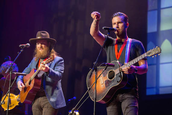 """Song of the Year honorees Brothers Osborne perform """"Stay a Little Longer"""""""