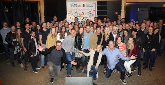 high-valley-give-thanks-and-give-back-group-photo