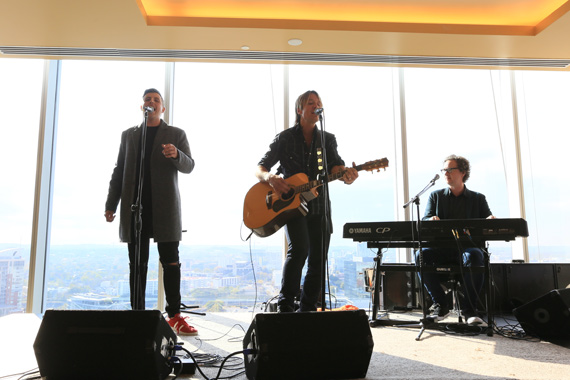 Pictured (L-R): James Abrahart, Keith Urban, Greg Wells. Photo: Bev Moser/Moments by Moser